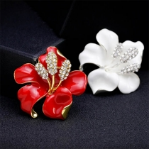 Fashion Rhinestone Inlaid Rose Shaped Brooch