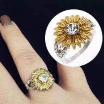 Fashion Rhinestone Inlaid Sunflower Shaped Ring