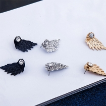 Retro Crystal Angel Wings Feather Shaped Puncture Earring