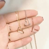 Fashion Rhinestone Inlaid Hear Pendant Necklace